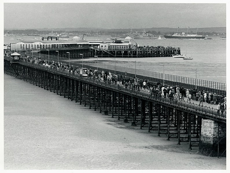 Crowds on the Pier - Roy Brinton Collection