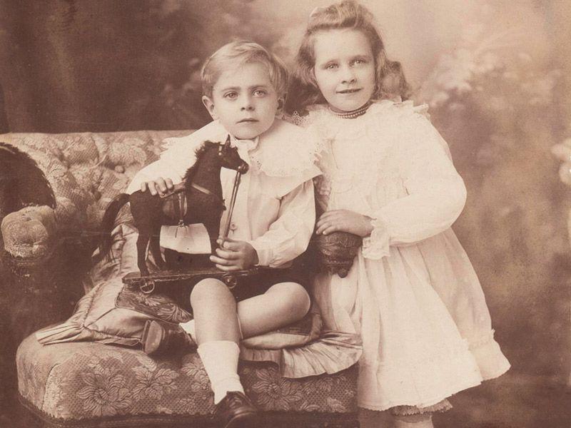 Hollis Children